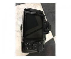 Nikon D5200 kit boîtier + objectif 18 - 140mm DX VR + accessoires