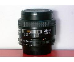 Objectif NIKON 28mm